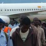 EU considera vergoñento e indignante que empresas como Air Europa sigan a lucrarse a costa dos voos de deportación