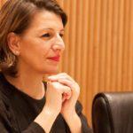 """Yolanda Díaz: """"No rescate da banca adoptáronse medidas moi duras; non contra a banca, senón contra as vítimas da crise"""""""