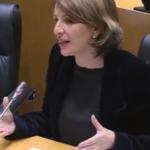 """Yolanda Díaz, na Comisión do Pacto de Toledo: """"Está claro que as pensións baixas teñen faciana de muller"""""""