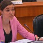 """Eva Solla: """"O persoal do CHUS denuncia a falta de medios materiais e humanos, o que provoca situacións de moita tensión nas urxencias"""""""